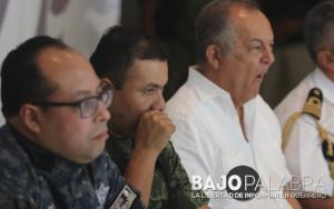 Bajo fuerte resguardo militar se llevo la conferencia de ciclones en el puerto de Acapulco - Javier Verdin 2015 - 2