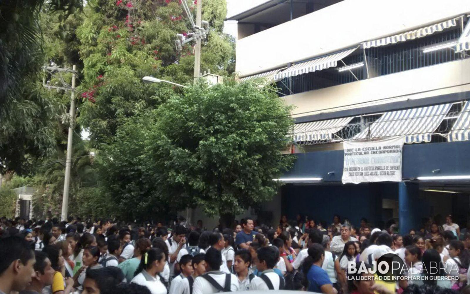 maestros irrumpen en acapulco para tomar clases 1