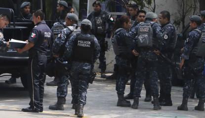 se benefician hoteles de desalojo de policias