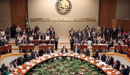 571348 ine e 415x240 - Aprueba el INE presupuesto de $4 mil 31 millones para partidos en 2016