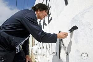 Armando pintando