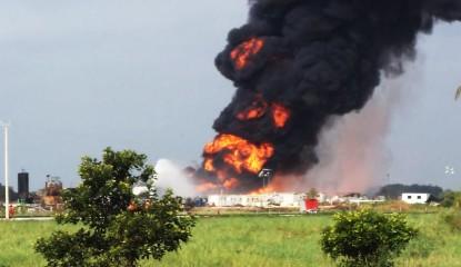Tabasco Pozo 415x240 - Pemex cierra pozo incendiado en Tabasco, sin pagar demandas