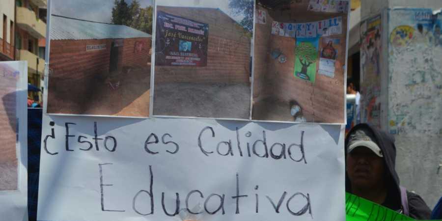 Marcha en Chilpancingo contra reformas estructurales (2)