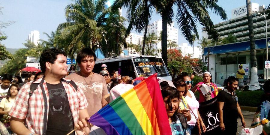 Marcha lesbico gay en Acapulco (2)_900x450
