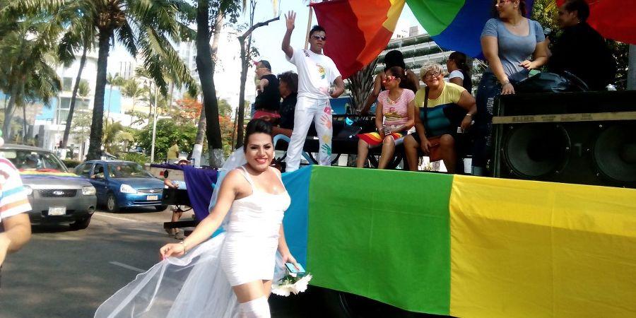Marcha lesbico gay en Acapulco (4)_900x450