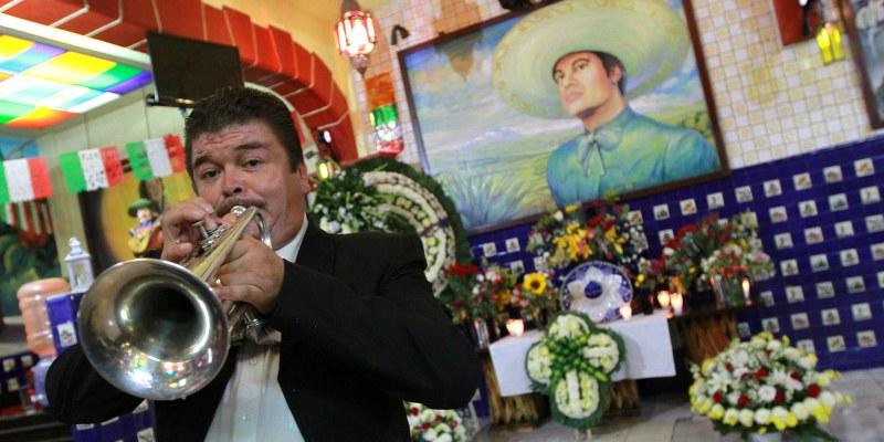 Los Ángeles - México: tributo a Juan Gabriel