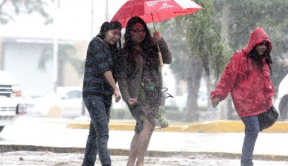 Lluvias 800x400 415x240 - Frente frío dejará lluvias y vientos fuertes en el país