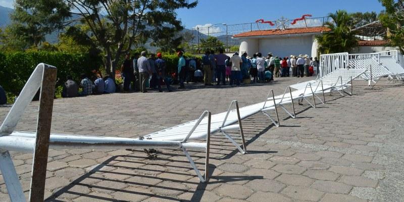 chilpancingo-protesta-casa guerrero-damnificados_800x400