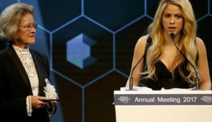 Foro-Davos-premia-Shakira_800x400