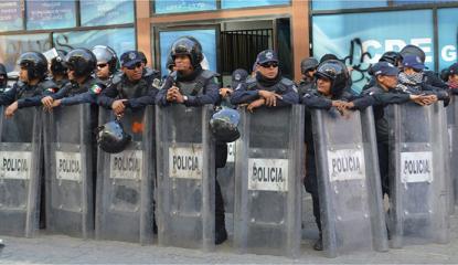 policia-chocan-panistas