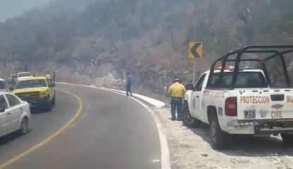 chilpancingo incendio forestal 2 800x400 415x240 - Incendio provoca el cierre del libramiento Chilpancingo-Tixtla [VIDEO]