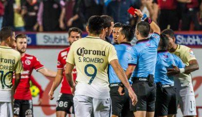 huelga 800x400 415x240 - Huelga de árbitros: Suspenden un año a Triverio y Aguilar