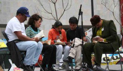 lectura2 800x400 415x240 - Lectores mexicanos prefieren sumergirse en la ficción, revela encuesta