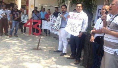 mitin morena 415x240 - Demanda Morena en Acapulco regreso de los 43