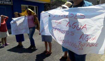 protestas chilpo 800x400 415x240 - Aumentan protestas por agua y recolección de basura en Chilpancingo