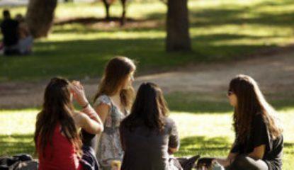 adolescentes Noticias 415x240 - El riesgo de usar internet con fines sexuales