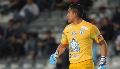 alfonso blanco Noticias 415x240 - Celebra portero de Pachuca su primer trofeo como titular