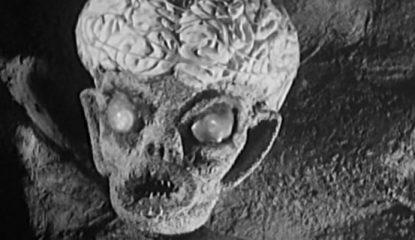 Alien descerebrado de El Santo