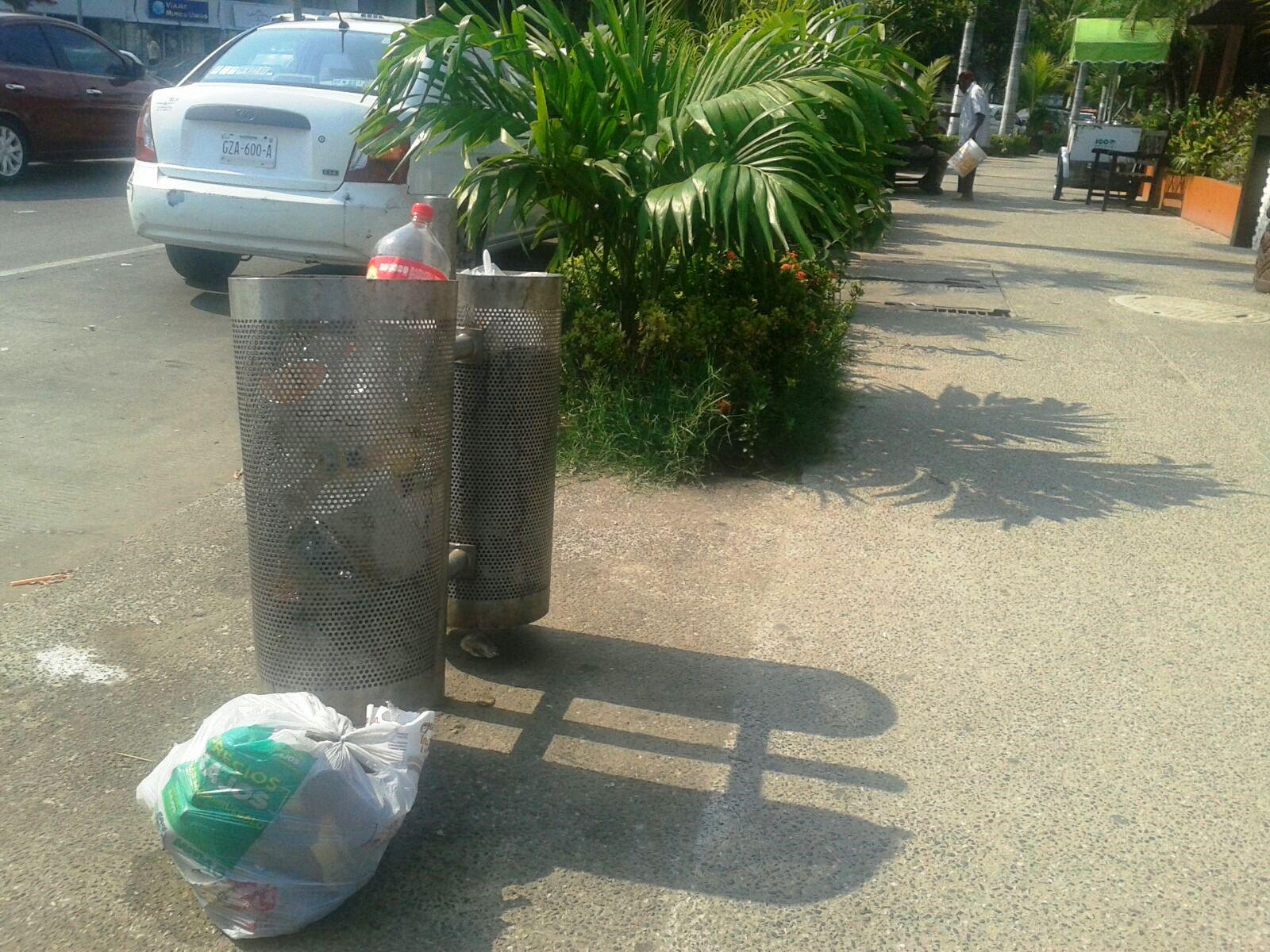 papelera2 - Ni Zonatur sabe cuántos botes de basura le han robado
