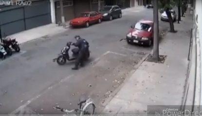policia Noticias 1 415x240 - Policía de la CDMX mueve moto para infraccionar al dueño [VIDEO]