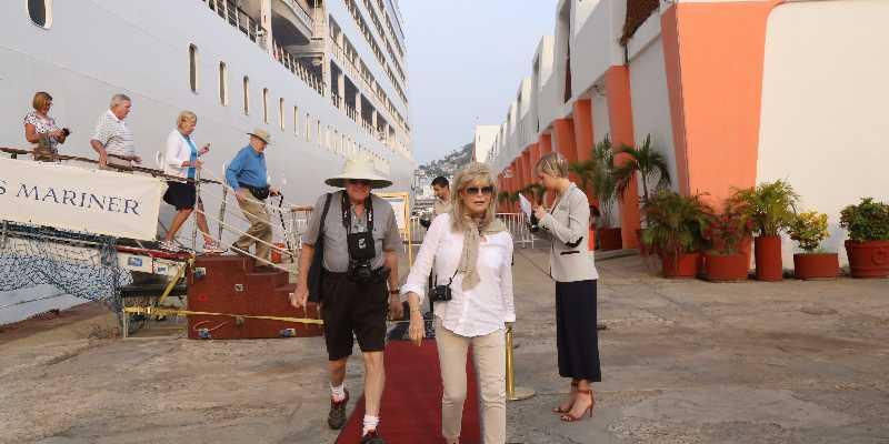 Por gestión de Astudillo, continúa llegada de cruceros a Acapulco