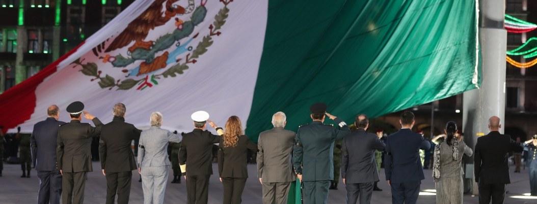 Obrador bandera 1054x402
