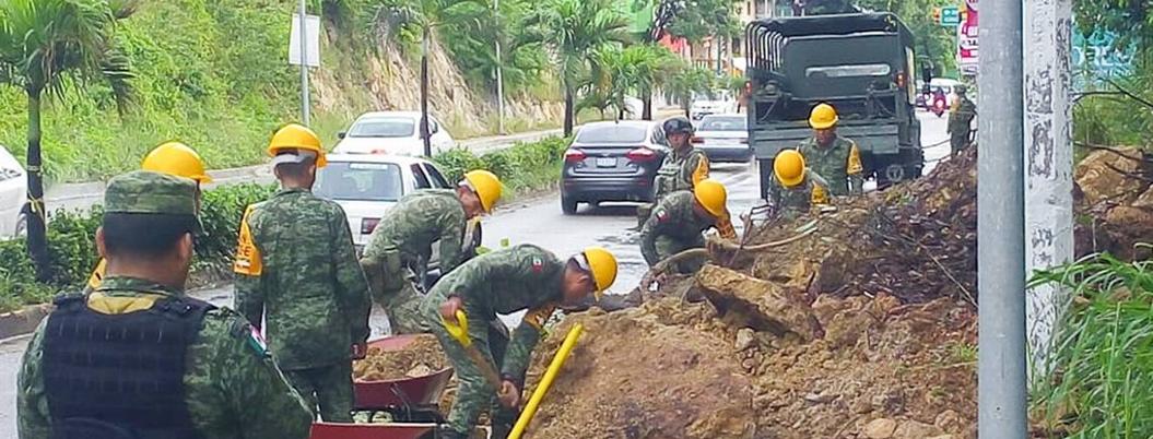 Lluvia provoca deslaves, inundaciones y caída de barda en Acapulco