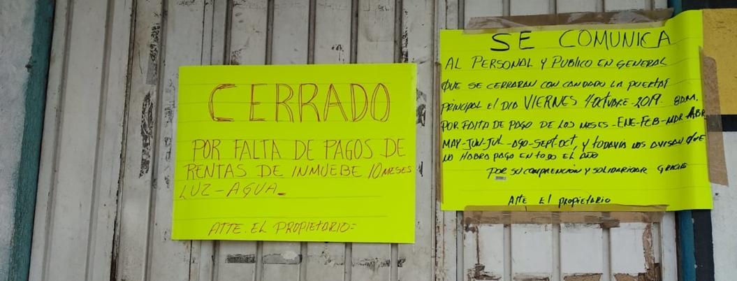 Trabajadores de MP laboran en la calle por no pagar renta en Acapulco