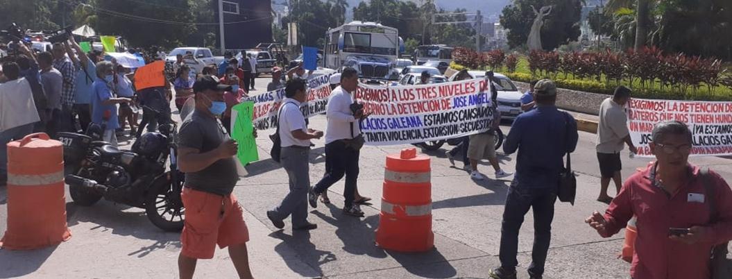 Transportistas exigen justicia por asesinato de compañero en Acapulco