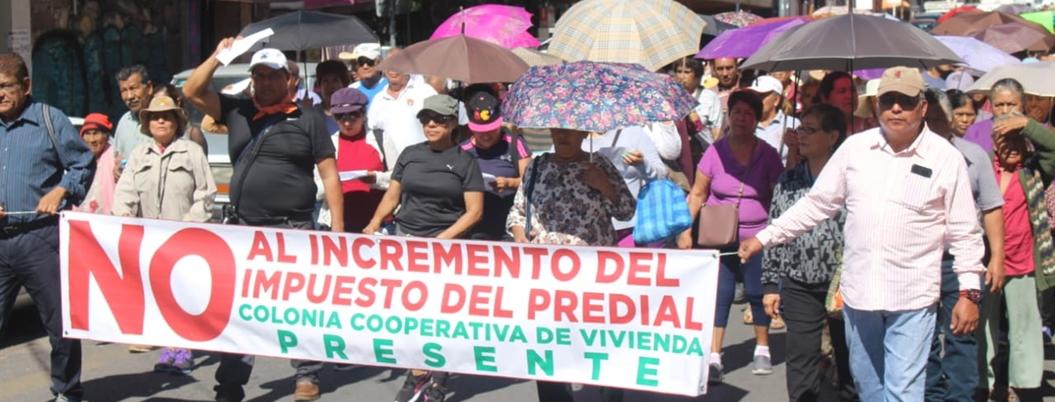 Habitantes marchan contra aumento de predial en Chilpancingo - Bajo Palabra