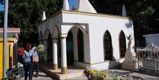 tumba del Gallo de oro