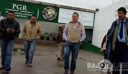 Alcalde de Chilpancingo denuncia ante la PGR - Leyva Mena