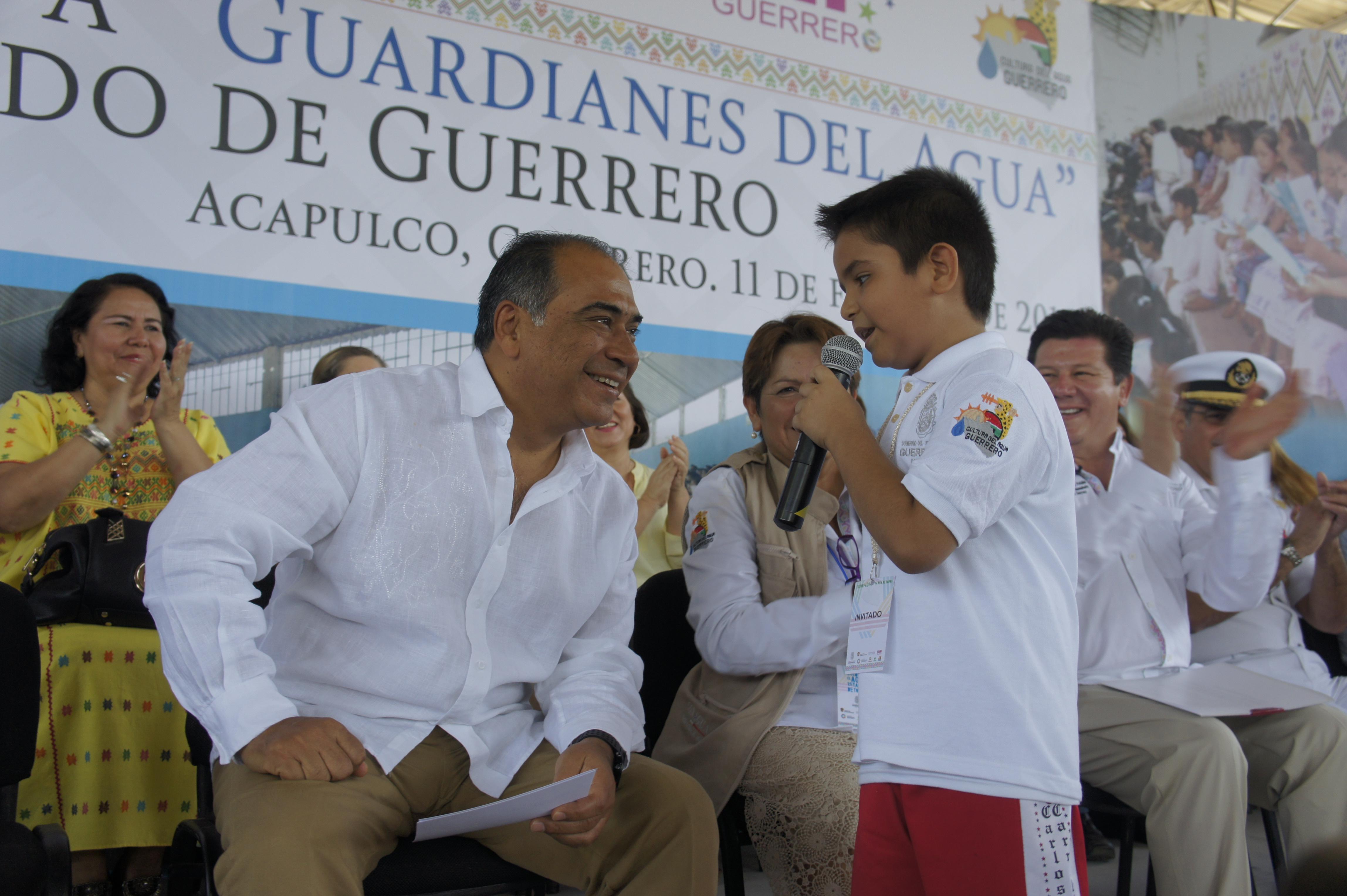 El alumno Jesús Orlando Vargas Heredia dijo que todos los niños están dispuestos a aportar de su parte para contribuir en el cuidado del agua.